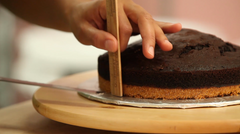 How To Cake It Yolanda Gampp Smoreo Cake Graham Cracker Crust Chocolate Cake