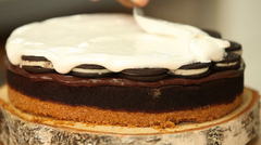 How To Cake It Yolanda Gampp Smoreo Cake Chocolate Ganache 7 Minute Frosting