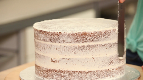 How To Cake It Yolanda Gampp Kin Community Vanilla Cake Crumb Coat