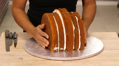 How To Cake It Yolanda Gampp Roasted Turkey Cake Thanksgiving Vanilla Cake Carve