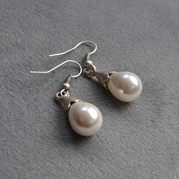 Freshwater Pearl Earrings - Naadz Jewelers