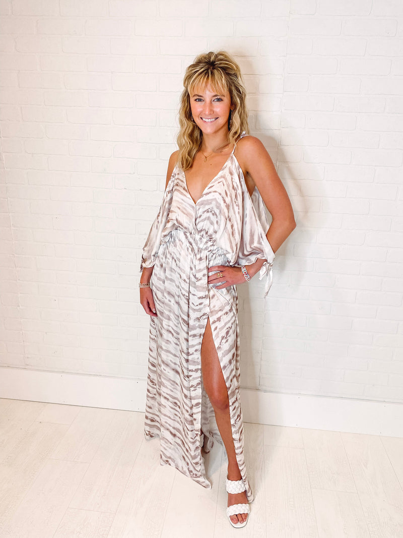 Women's Scalloped Lace Sleeve Romper with Flare Skirt