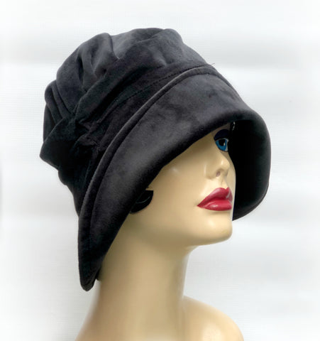 Black Velvet Cloche |The Alice