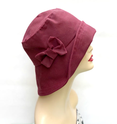 Burgundy waxed rain hat for women
