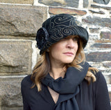 Black and gold velvet winter women's Cloche hat