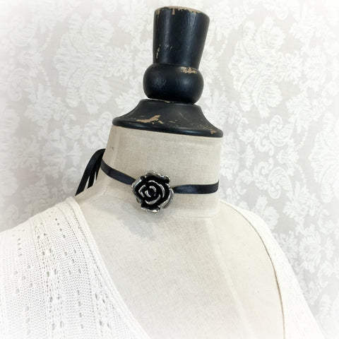 silver rose ribbon choker