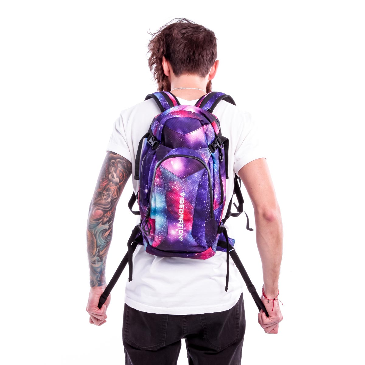 A guy adjusting the size of the galaxy pack