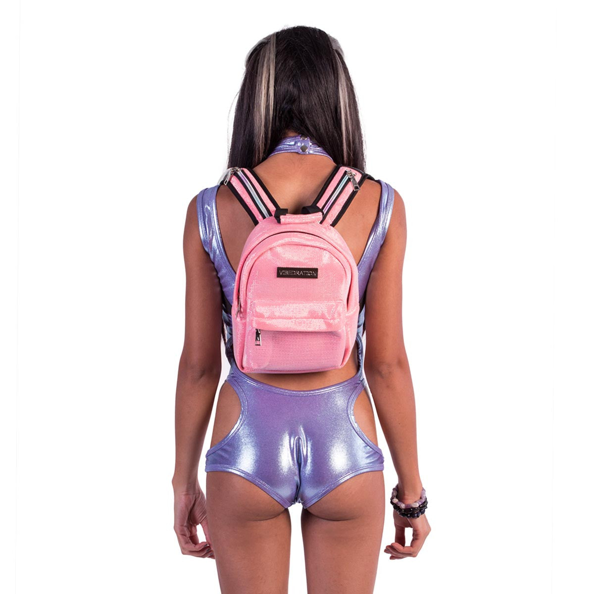 Female wearing small Glitter Pink hydration pack