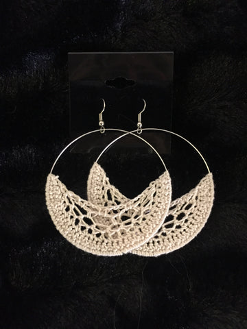 Crochet Hoop earrings: Cream