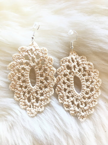 Crochet Oval Earrings: Cream