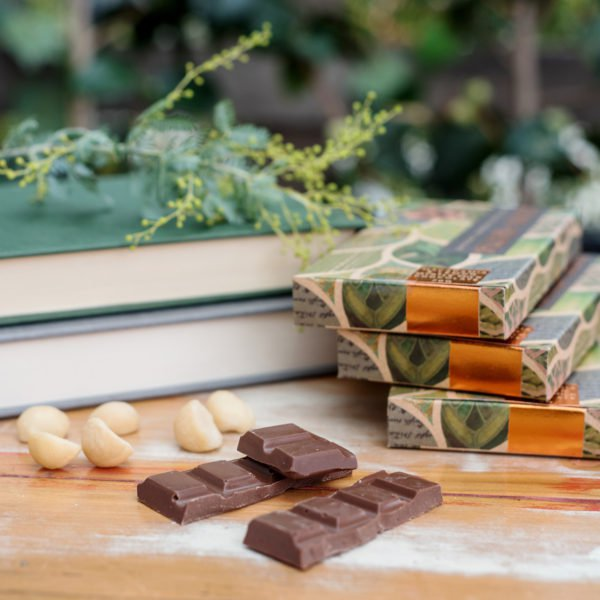 Jasper + Myrtle Macadamia and Lemon Myrtle Milk Bar - City Chocolates