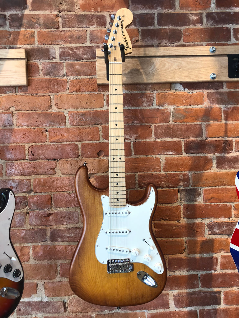 Fender FSR American Special Stratocaster Hand Stained Honeyburst