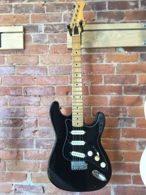 Hondo II H760 Strat Style Electric Guitar Vintage c.1970s