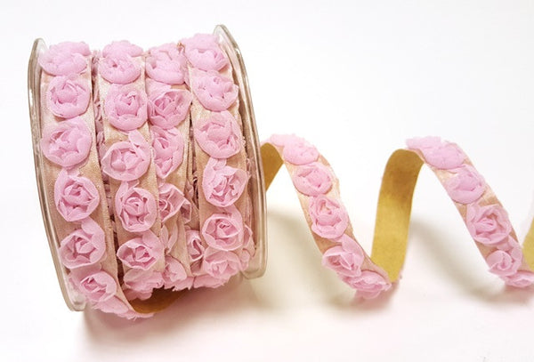 Pretty roses ribbon, it's also self adhesive!