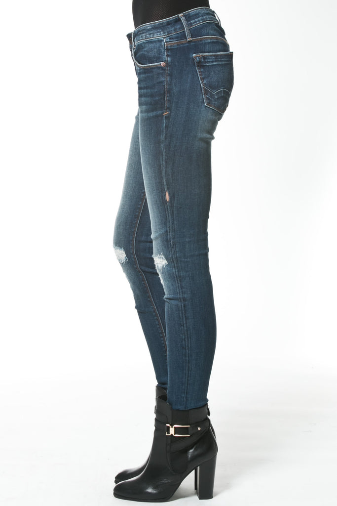 DISTRESSED MID-RISE JEAN - Madonna and Co - 2