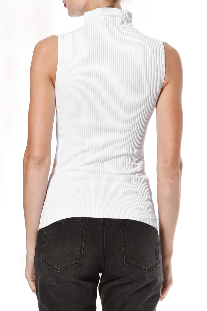 Ribbed Seamless Knit Top
