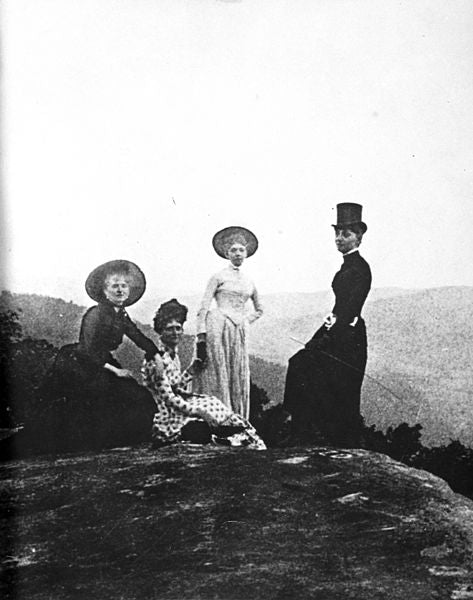 Women hiking in Tennessee in 19th century