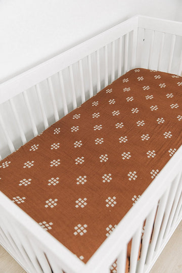 CHESTNUT MUSLIN CRIB SHEET