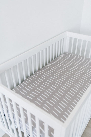 GREY DASH MUSLIN CRIB SHEET
