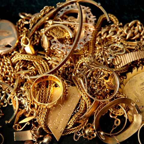 Pros and cons of  metals commonly used in fashion jewelry