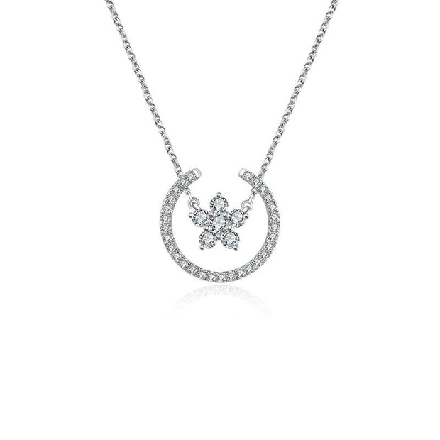 18k Gold Flower Shape Diamond Necklace