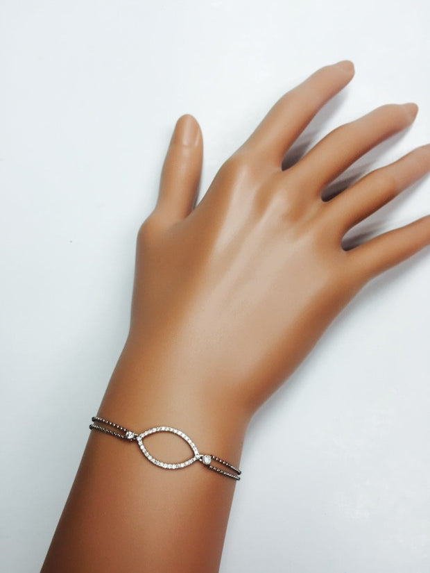 18k Gold Mysterious Eye Hand Bracelet (2 Ways) - Genevieve Collection