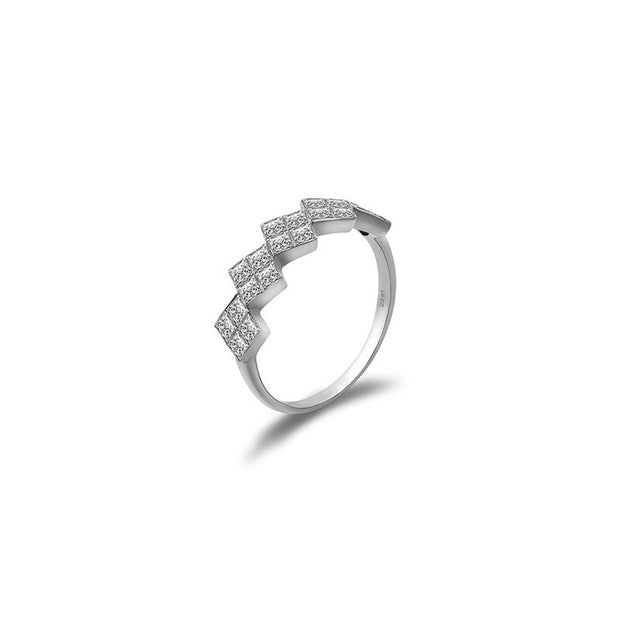 18k Gold Princess Square Diamond Ring - Genevieve Collection