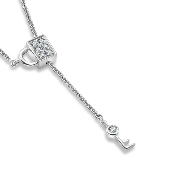 18k Gold Lock And Key Shape Adjustable Diamond Necklace - Genevieve Collection