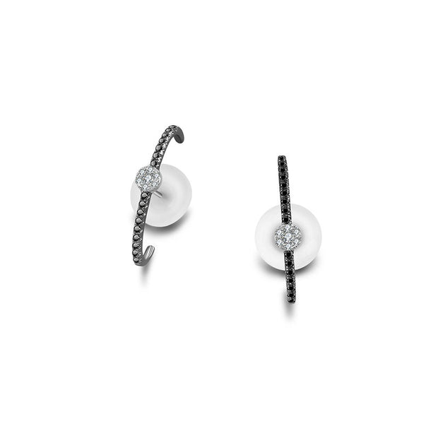 18k Gold Round Pattern Half Hoop Diamond Earring with Black Diamond - Genevieve Collection