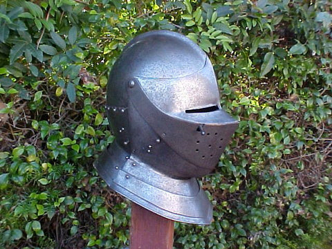 A European Close Helmet #3184