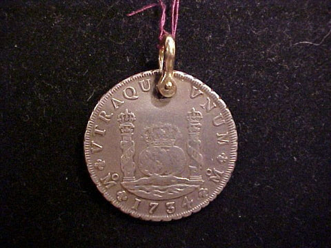 Mexico 1734 8 Reales Pillar Dollar set w/a 14K. Gold Shackle, #913 Treasure Jewelry