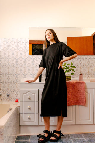 TRUE STORY T DRESS - BLACK