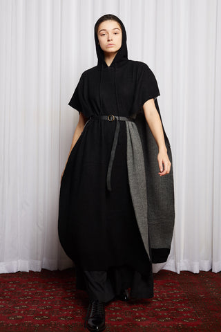 SCIFI PONCHO - BLACK MERINO KNIT