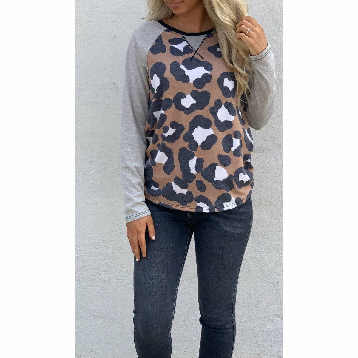 Basic Comfy leopard  (regular & plus) top