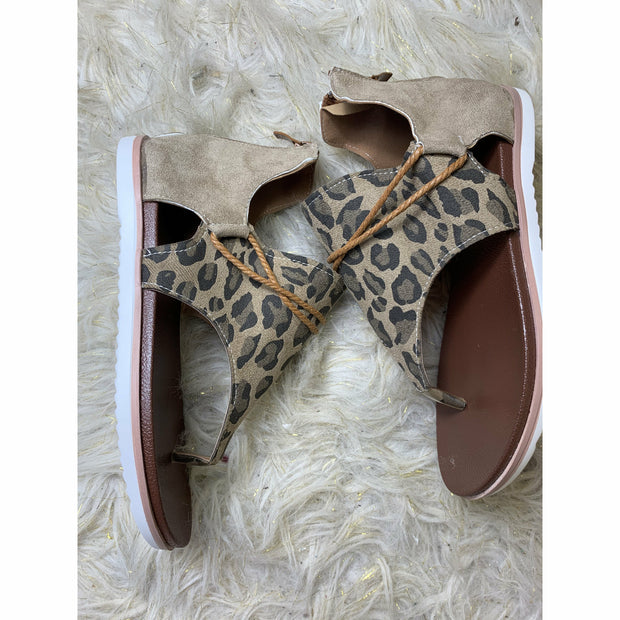 Leopard vacay sandal (pre-order)