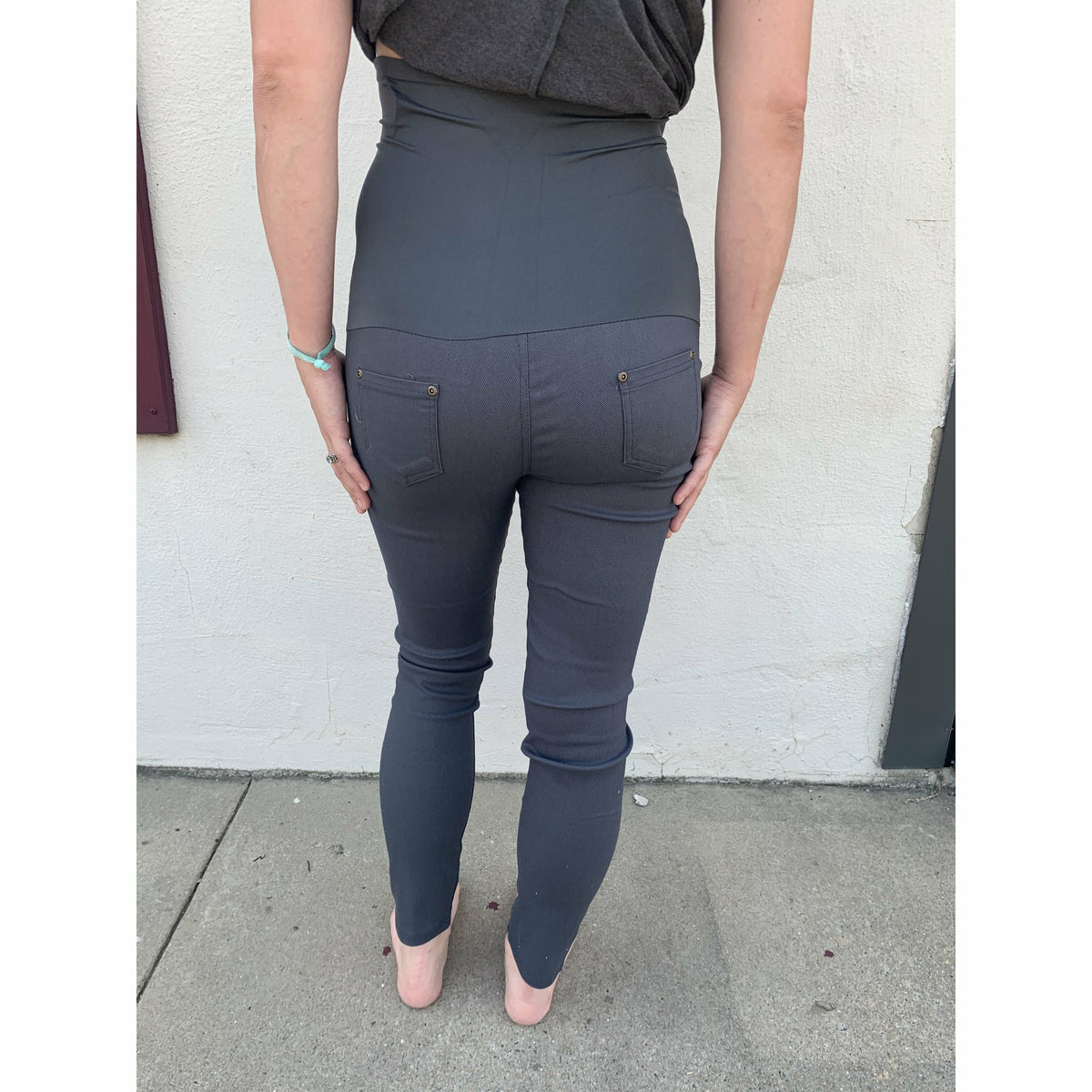 Maternity pants ( several colors)