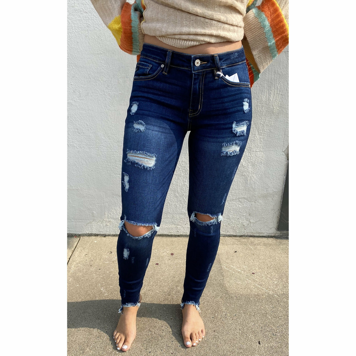 Mid Rise Distressed Super Skinny Darkwash Kancan