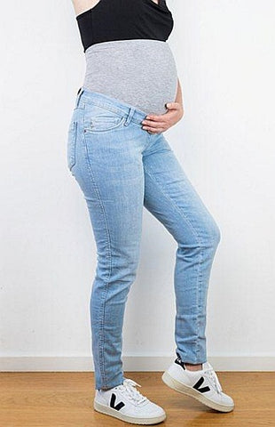 Light Wash Sophia Maternity Jeans by Lilly and Ribbon