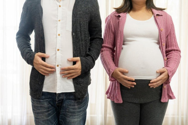 Men can suffer pregnancy symptoms too