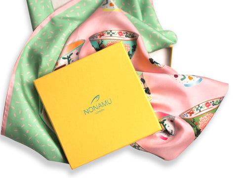 Nonamu scarf with yellow gift box