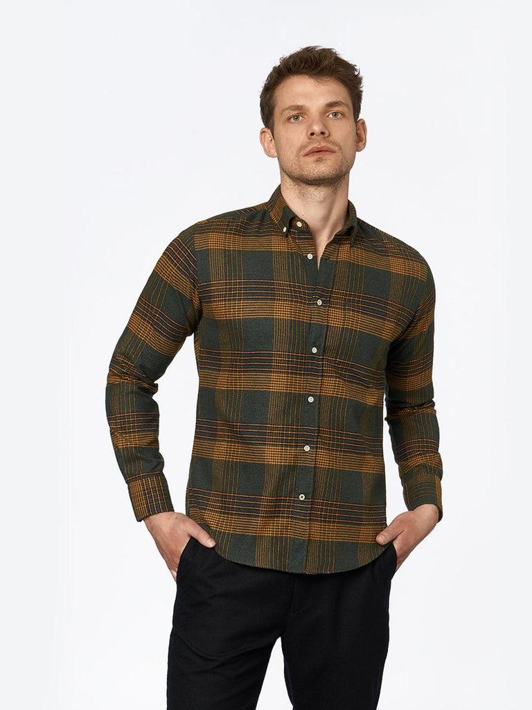 carpasus sustainable organic cotton flanell shirt ursido moss. Nachhaltiges Carpasus Flanell Hemd Ursido aus Bio Baumwolle in Moosgrün
