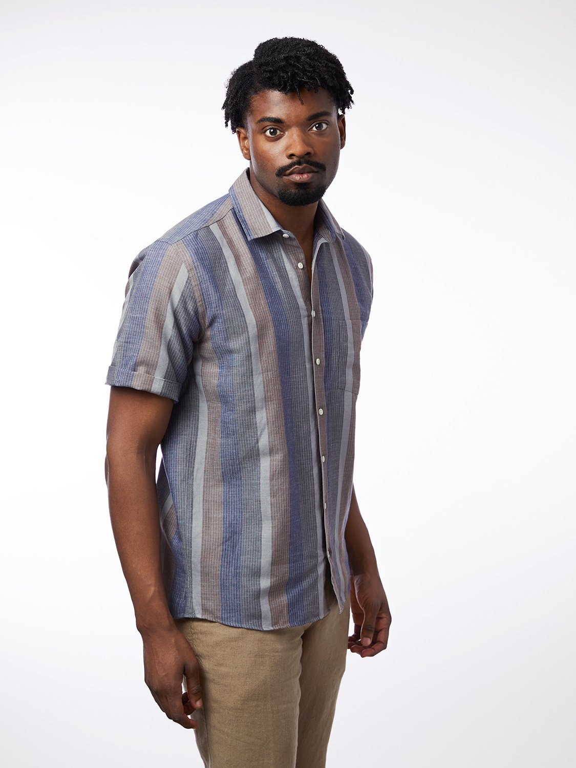 carpasus sustainable organic cotton and linen short sleeve shirt letten navy. Nachhaltiges Carpasus Hemd Letten Kurzarm aus Bio Baumwolle und Leinen in Navy