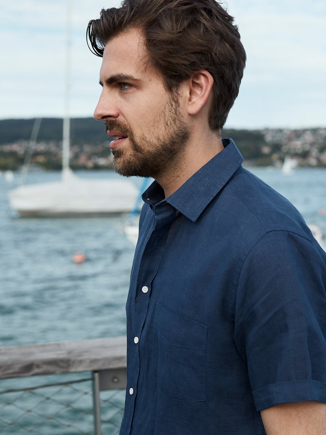 carpasus sustainable organic linen short sleeve shirt navy. Nachhaltiges Carpasus Hemd Kurzarm aus Bio Leinen in Navy
