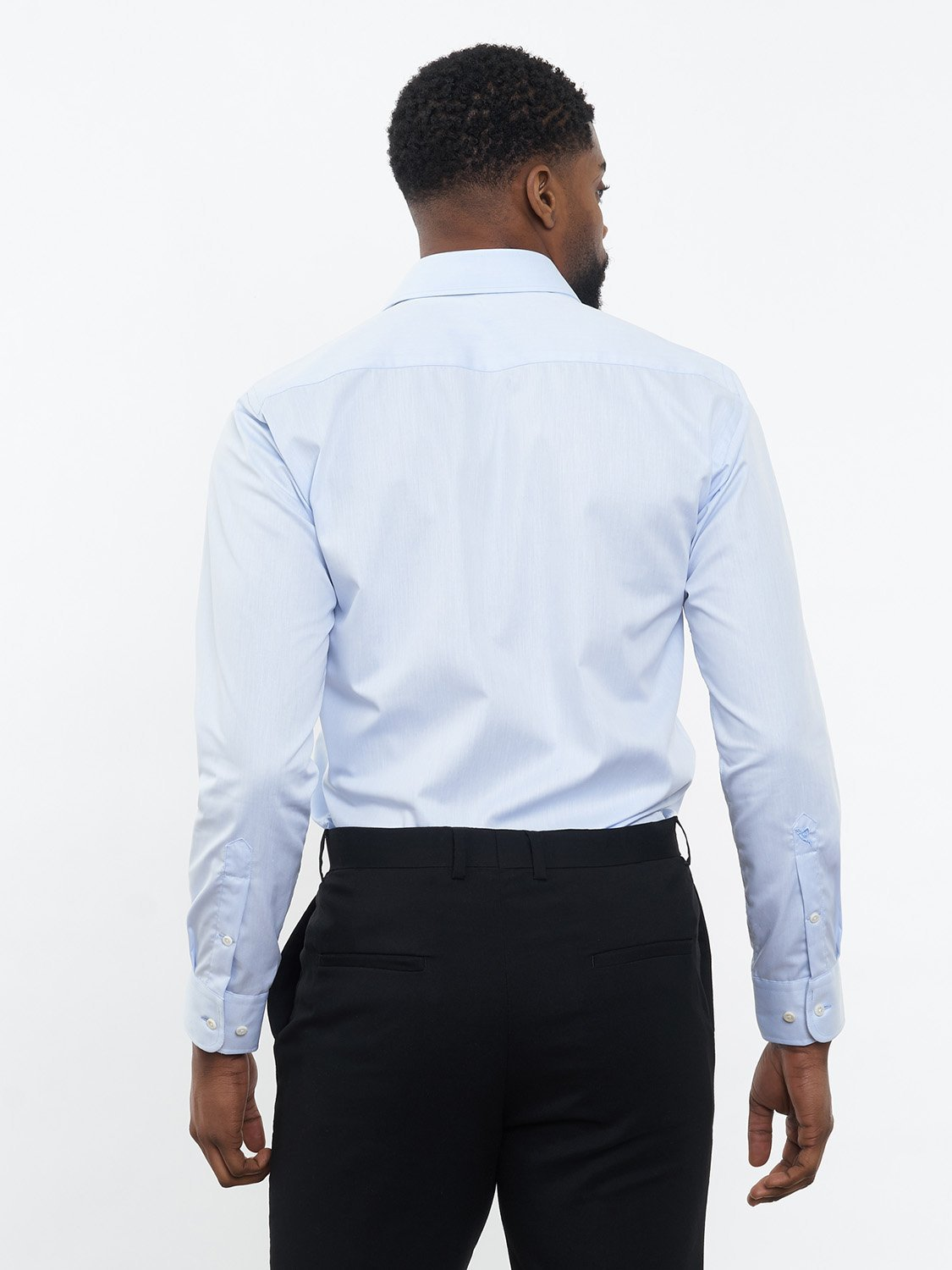 carpasus sustainable organic cotton tailor-made shirt blue. Nachhaltiges Carpasus Masshemd aus Bio Baumwolle in Blau