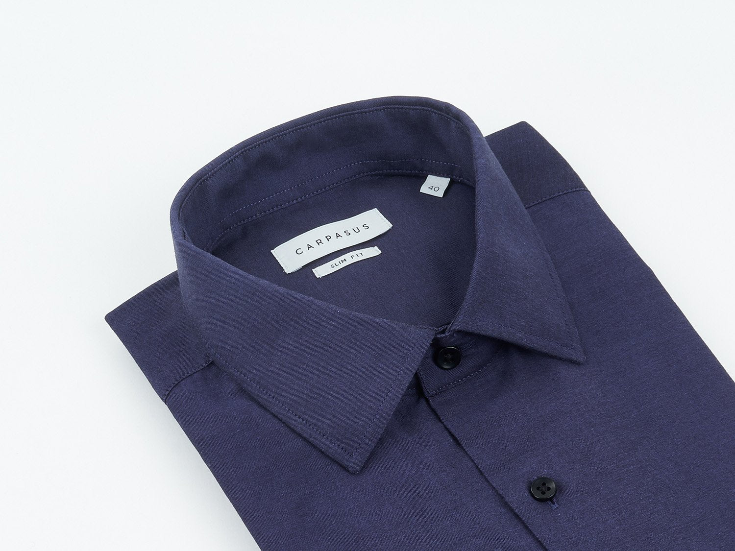 carpasus sustainable organic cotton tailor-made shirt darkblue. Nachhaltiges Carpasus Masshemd aus Bio Baumwolle in Dunkelblau