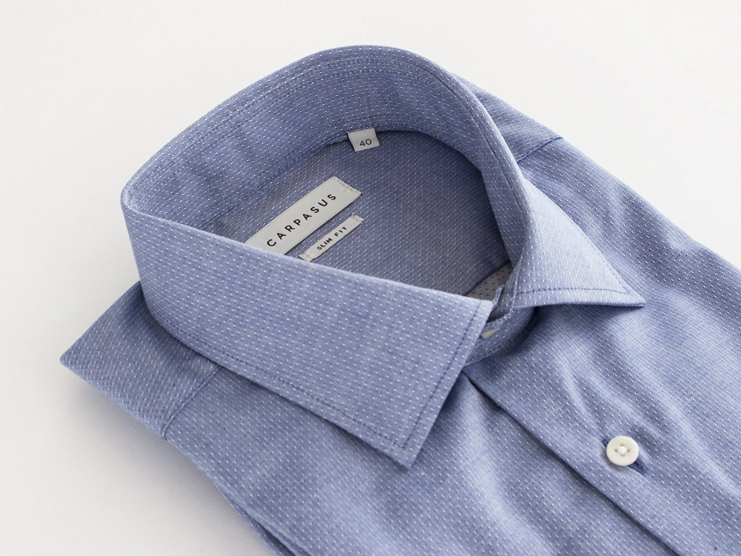 carpasus sustainable organic cotton tailor-made shirt dobby blue. Nachhaltiges Carpasus Masshemd aus Bio Baumwolle Dobby Blau