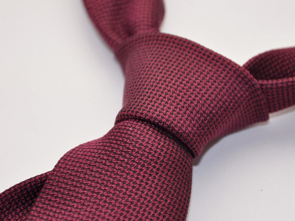 carpasus sustainable organic silk tie dark bordeaux. Carpasus nachhaltige Krawatte Bio Seide in Bordeaux