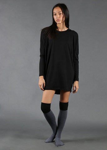 The Relaxed Batwing Top - Black