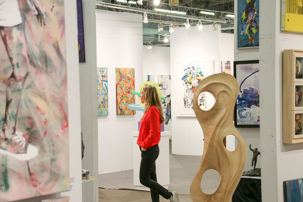 how to exhibit at an art show like a professional; art show tips for artists