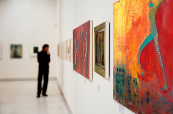 best tips to get into an art gallery